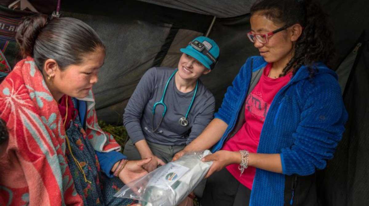 Nepal-Hygiene-Kit-to-Local-1200x672